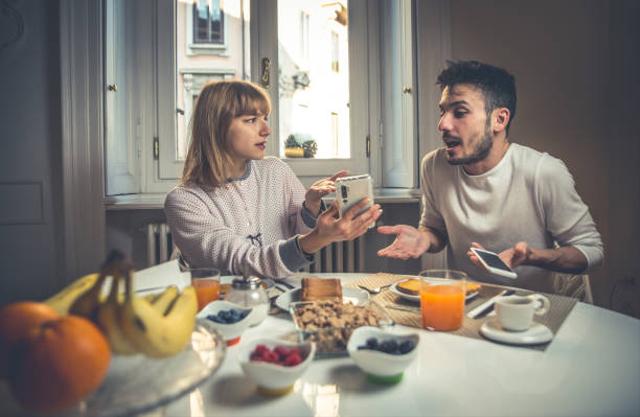 Catat! 7 Hal Ini Menandakan Kamu Enggak Cocok dengan Pasangan (46606)