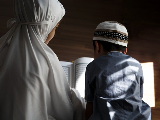 35 Nama Bayi Laki-laki Islami 2 Kata yang Bisa Jadi Inspirasi (488117)