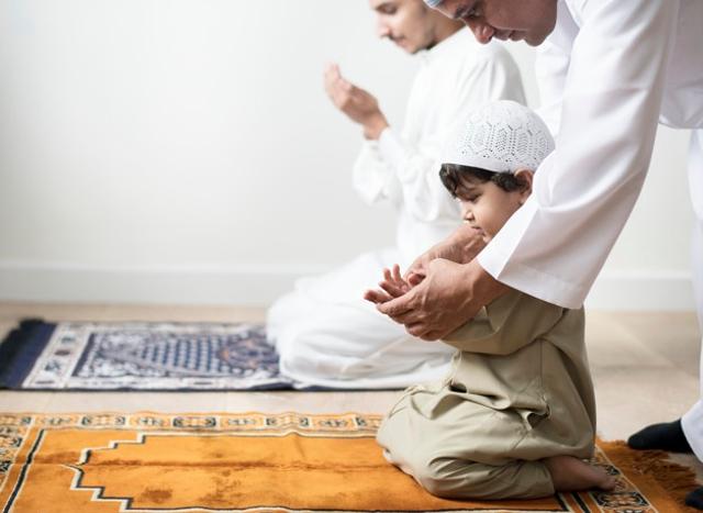 35 Nama Bayi Laki-laki Islami 2 Kata yang Bisa Jadi Inspirasi (488120)
