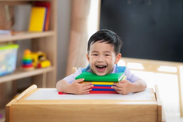 Mainan Anak 2 Tahun, Sesuai Kebutuhan Perkembangan Si Kecil (38174)