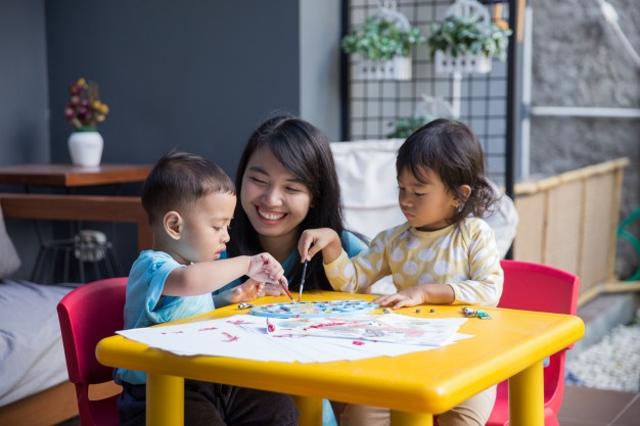Mainan Anak 2 Tahun, Sesuai Kebutuhan Perkembangan Si Kecil (38176)