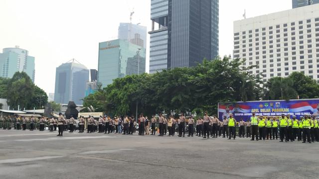 Kapolda Metro ke TNI-Polri di Apel Malam Takbiran: Bertindak Penuh Kasih Sayang (1)