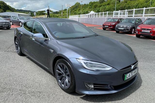 Tesla Model S Pangeran Charles Dijual, Kilometer Rendah dan Segini Harganya? (92552)