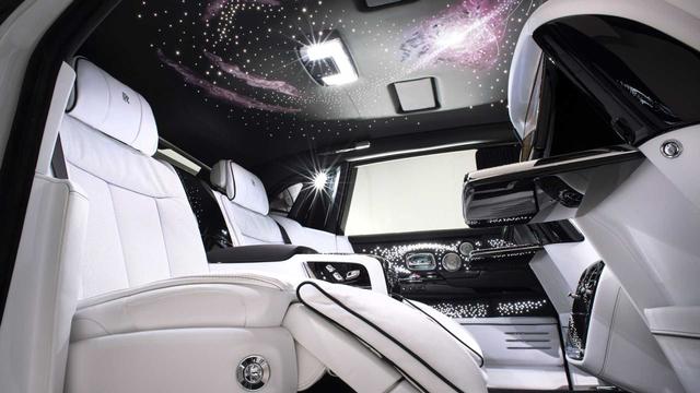 Crazy Rich, Merayakan Hari Jadi dengan Sepasang Rolls-Royce (35685)