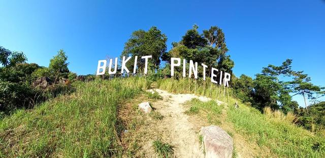 Nikmati Panorama Alam di Atas Bukit Pinteir di Bangka Tengah (148475)