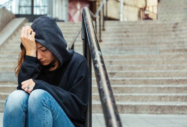 Kata Ahli Soal 7 Fakta Quarter Life Crisis dan Cara Menghadapinya (482684)