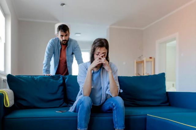 Curiga Pasanganmu Selingkuh? Lakukan 5 Hal Ini untuk Mengetahuinya  (38707)