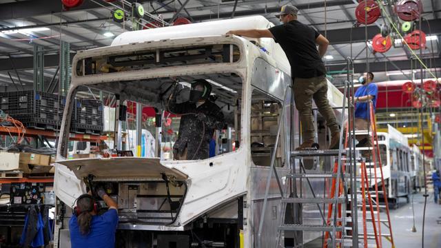 Berita Populer: Wuling Almaz Asapi CR-V, Mitsubishi Tetap Produksi Mobil Hybrid (49999)