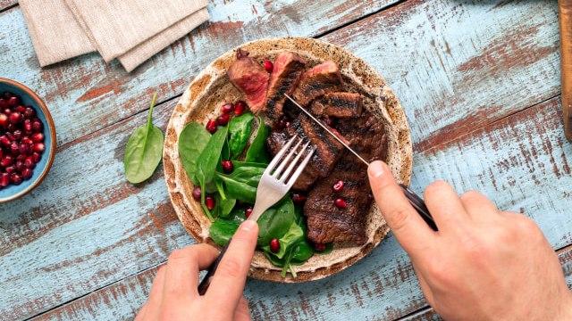 5 Tips Menyantap Olahan Daging agar Tubuh Tetap Sehat (89960)