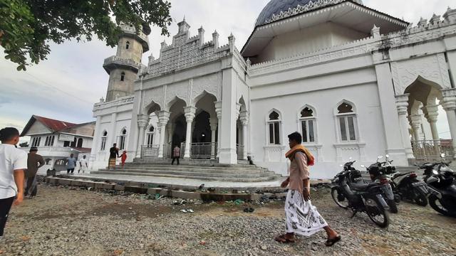 Suasana Salat Idul Adha di Masjid Raya Keumala, Pidie (37691)