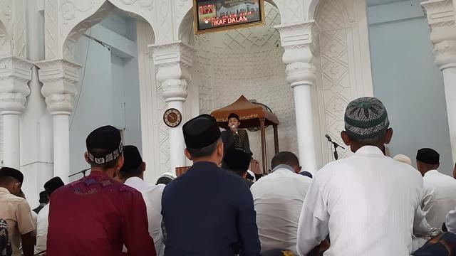 Suasana Salat Idul Adha di Masjid Raya Keumala, Pidie (37693)