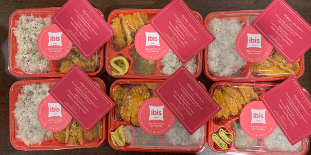 Ibis Pontianak City Center Ajak Masyarakat Berdonasi Lewat Promo Meals Donation (37313)