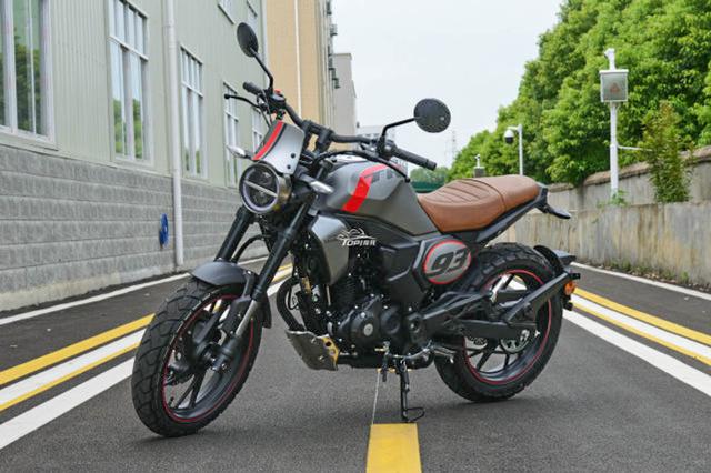 Bergaya Retro Modern, Honda CBF190TR Baru Mengaspal dengan Banderol Rp 39 Jutaan (40779)