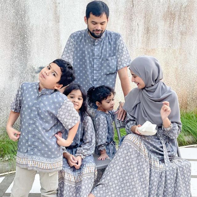 Pakai Busana Senada, Ini Gaya Kompak 8 Selebriti saat Idul Adha di Rumah Aja (39363)