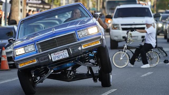 Foto: Aksi Mobil Lowrider yang Kembali Mengaspal di Los Angeles (37013)