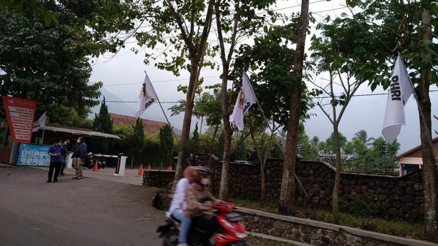 PPKM Darurat, 30 Hotel dan Restoran di Garut Kibarkan Bendera Putih (26436)