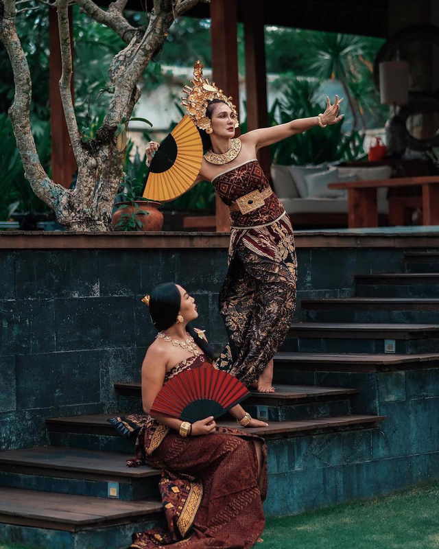 Potret Luna Maya Mengenakan Pakaian Adat Bali, Banjir Pujian dari Netizen (23945)