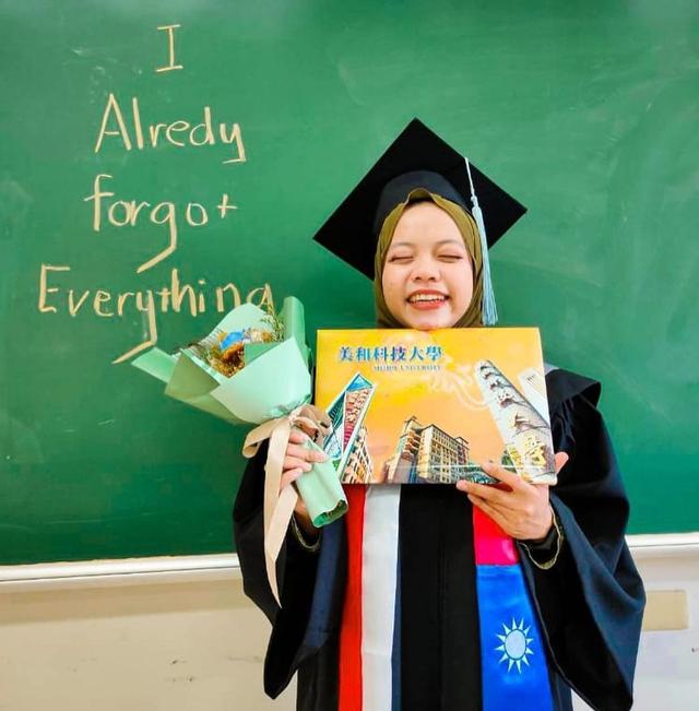 Mimpinya Sempat Dihina, Anak Sopir Angkot Buktikan Lulus Kuliah di Luar Negeri (66946)