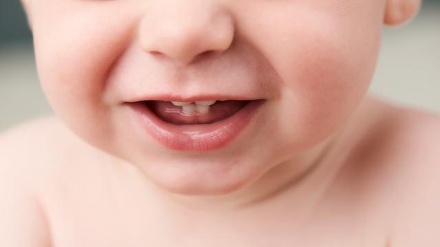 Penyebab Gigi Bayi Tumbuh Berantakan (1058)