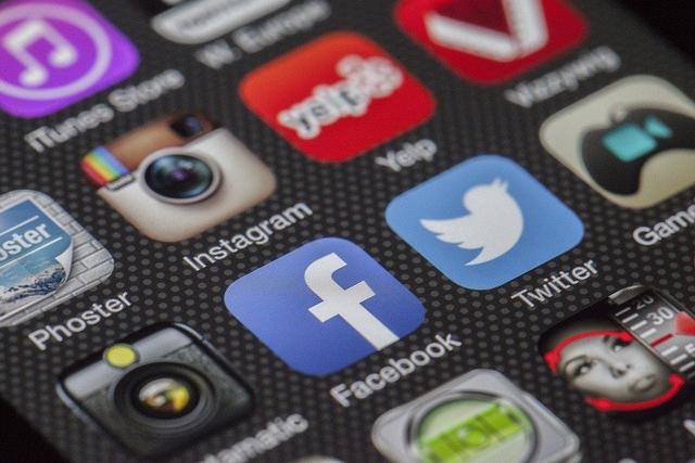 Dampak Buruk Media Sosial  (9105)
