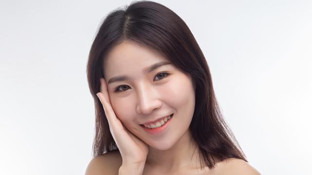 Urutan Skincare untuk Pemula, Biar Kulit Wajah Awet Muda (55112)
