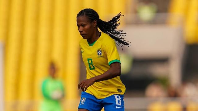 Pesepak Bola Wanita 43 Tahun Asal Brasil Pecahkan Rekor di Olimpiade 2020 (27704)