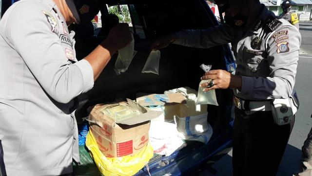 Dalam Sehari, Polisi Sita Ratusan Liter Miras Cap Tikus di Banggai (191746)