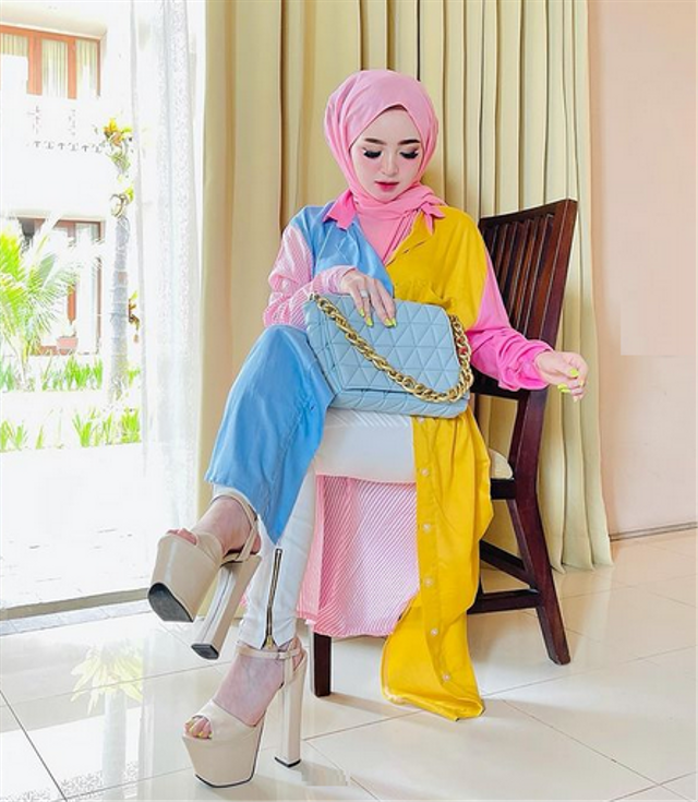 7 Potret Herlin Kenza, Selebgram Asal Aceh yang Viral Akibat Timbulkan Kerumunan (357781)
