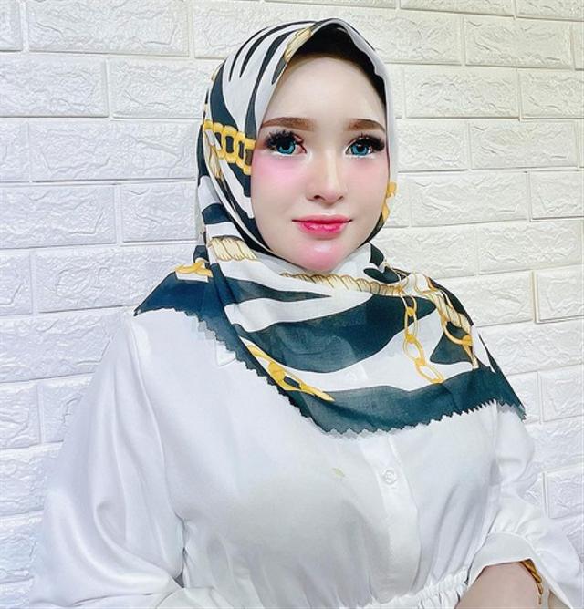 7 Potret Herlin Kenza, Selebgram Asal Aceh yang Viral Akibat Timbulkan Kerumunan (357783)