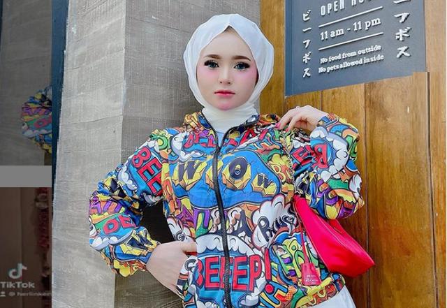 7 Potret Herlin Kenza, Selebgram Asal Aceh yang Viral Akibat Timbulkan Kerumunan (357786)