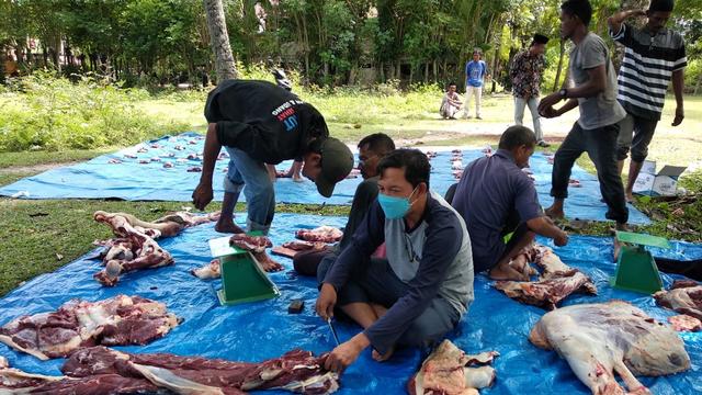 Alumni IPB Aceh Sembelih Hewan Kurban untuk Warga Desa Tertinggal di Aceh Besar (27697)