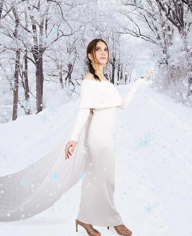 9 Gaya Pemotretan Cassandra Lee Bertema Kerajaan, Memesona Bak Putri Raja (90041)