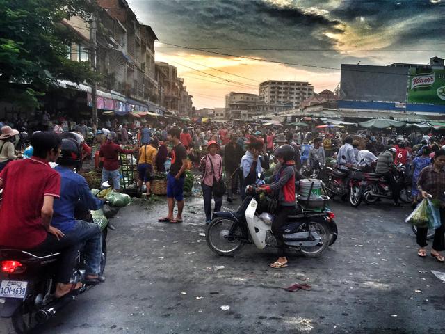 Contoh Kegiatan Ekonomi Penduduk di Sekitar Pasar (346957)