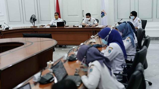 Anies Dengar Curhatan Petugas Puskesmas: Untung Sudah Divaksin Jadi Terlindungi (166315)