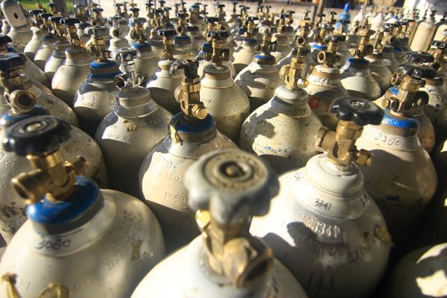 Foto: Stok Gas Oksigen di Sumbar Kosong (95956)