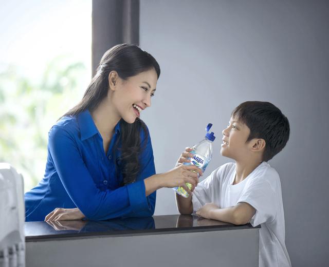 Riset: 1 dari 5 Anak Indonesia Masih Kurang Minum Air Putih (89555)