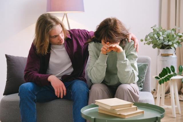 8 Cara Menenangkan Pasanganmu yang Pemarah (6979)