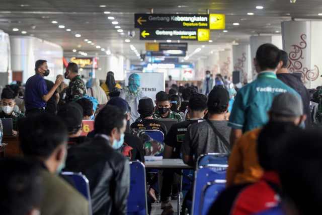 Foto: TNI AL Gelar Vaksinasi di Bandara Juanda (43561)