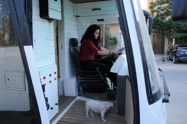 Foto: Wanita Mesir Ubah Bus Menjadi Rumah Mungil (36516)