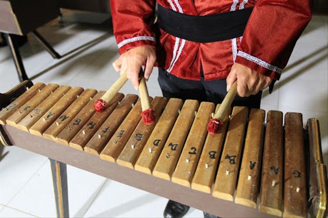 Asal Kolintang, Alat Musik khas Minahasa Sulawesi Utara (10050)