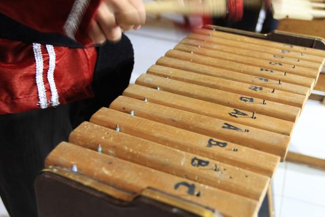 Asal Kolintang, Alat Musik khas Minahasa Sulawesi Utara (10052)