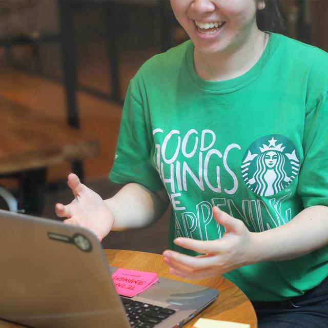 Pelajar SMK Bisa Belajar Jadi Pengusaha di Program Starbucks Creative Youth (772511)