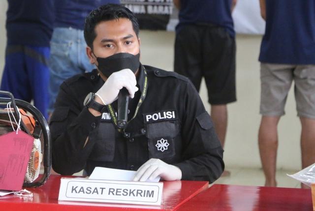 Polres Kuningan Tangkap Pencuri HP di Asrama Pondok Pesantren (7283)