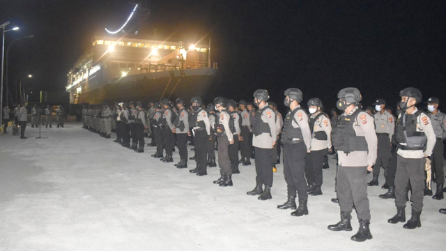 Polisi Tambah Perkuatan Jaga Pilkada Ulang Nabire   (56611)