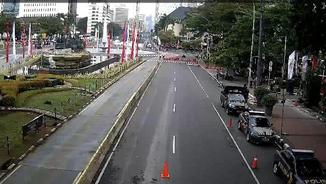 Hingga Sore Massa Demo Tolak PPKM 'Jokowi End Game' Belum Terlihat (68533)