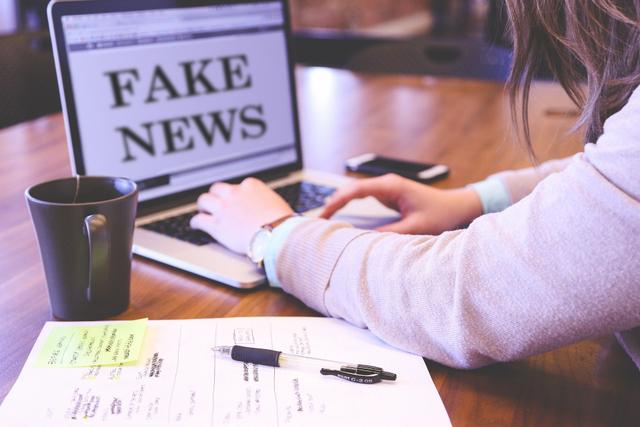 Mengapa Kita Sangat Mudah Percaya Berita Hoaks? (98271)