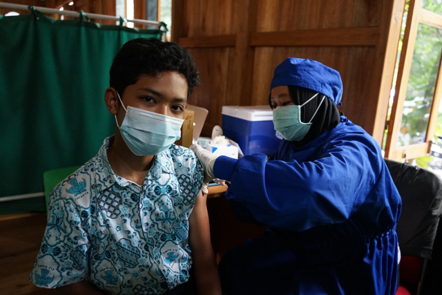 Sambut HAN, Dompet Dhuafa Gelar Vaksinasi Untuk Ratusan Anak Sekolah (350914)