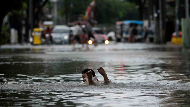 Badai Tropis Menerjang, 15 Ribu Warga Manila Dievakuasi (119901)