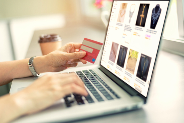 Ragu Belanja Online? Ini 5 Tips Belanja Aman Produk Original di Marketplace (181208)