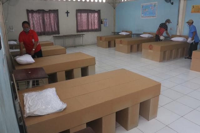Inovasi Cardboard Bed, Tempat Tidur dari Kardus Khusus untuk Pasien Isoman (241423)